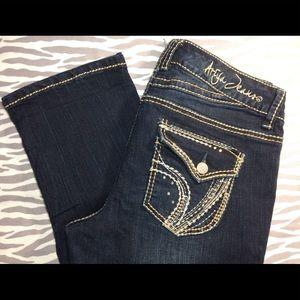 Ariya Capri Jeans Sz 7/8